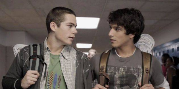 Dylan-OBrien-And-Tyler-Poesy-As-Stiles-And-Scott-In-Teen-Wolf-Season-One_1587576446-630x315.jpg